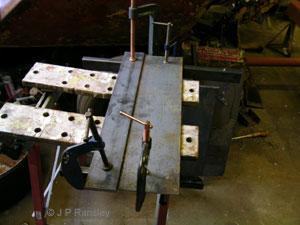 benne di varie tipologie forche bilancini ed a ltri attrezzi di uso comune  Bucket-003